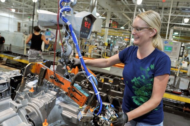 ford-transmissions-being-built-at-the-van-dyke-transmission-plant_100508215_h