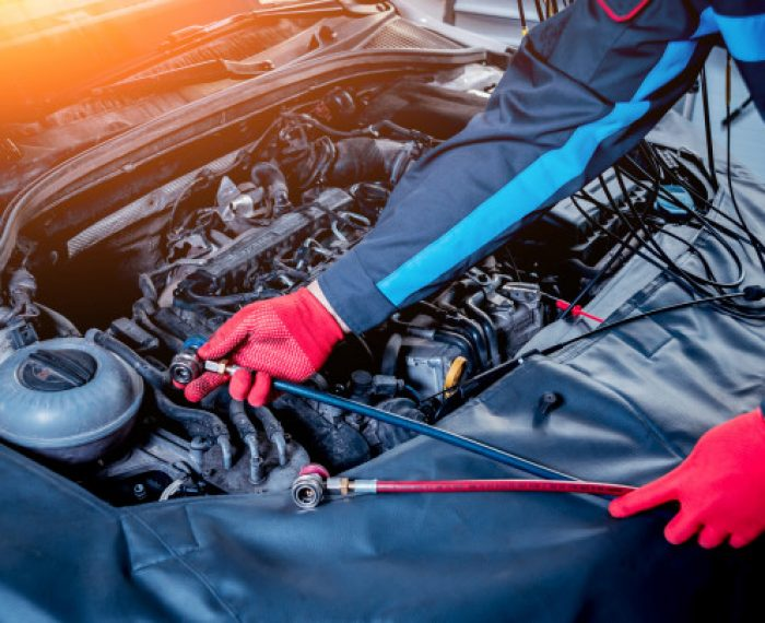servicing-car-air-conditioner-service-station_179755-5011